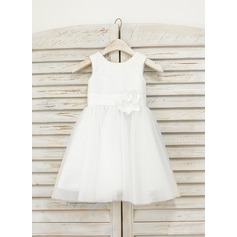 A-Line/Princess Knee-length Flower Girl Dress - Tulle/Sequined Sleeveless Scoop Neck With Flower(s)