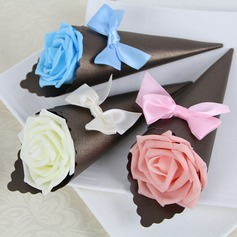 Rose Design Pyramid Favor Boxes With Bow