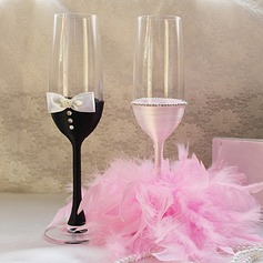 Bride and Groom Design Lead-free Glass Toasting Flutes (Set Of 2)