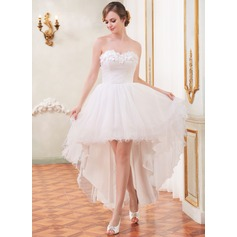 A-Line/Princess Sweetheart Asymmetrical Tulle Wedding Dress With Ruffle Beading Flower(s)