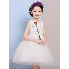 A-Line/Princess Knee-length Flower Girl Dress - Lace/Polyester Sleeveless Scoop Neck With Appliques/Bow(s)