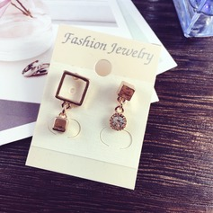 Cool Gold Plated Copper With Rhinestone Gold Plated Ladies' Fashion Earrings