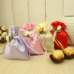 Classic Favor Bags With Flowers