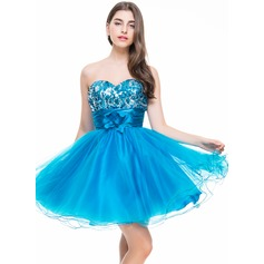 A-Line/Princess Sweetheart Short/Mini Tulle Sequined Homecoming Dress With Ruffle Flower(s)