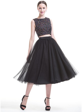 A-Line/Princess Scoop Neck Tea-Length Satin Tulle Homecoming Dress With Beading Sequins