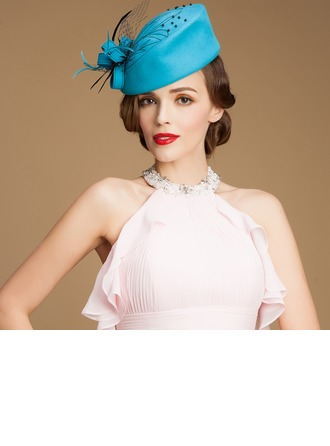 Dames Charme Coton avec Feather/Tulle Chapeaux de type fascinator/Chapeau melon / Chapeau cloche