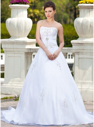 Ball-Gown Sweetheart Chapel Train Organza Wedding Dress With Embroidered Beading