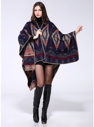 Stampa geometrica oversize/Scialle Poncho