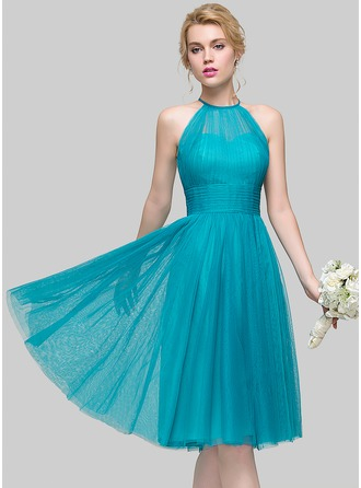 A-Line/Princess Scoop Neck Knee-Length Tulle Cocktail Dress With Ruffle