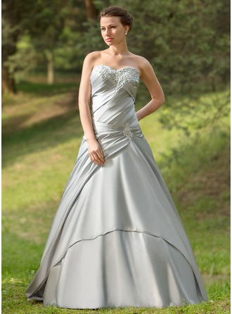 Ball-Gown Sweetheart Watteau Train Satin Wedding Dress With Ruffle Appliques Lace