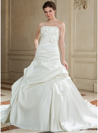 Ball-Gown Strapless Chapel Train Satin Wedding Dress With Ruffle Beading Appliques Lace Bow(s)