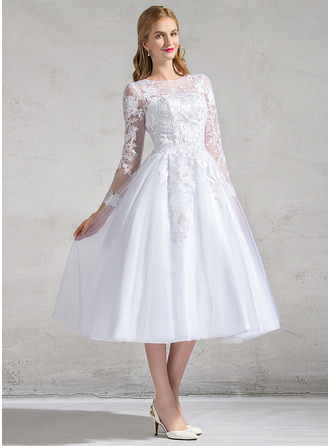 A-Line/Princess Scoop Neck Tea-Length Tulle Lace Wedding Dress With Appliques Lace