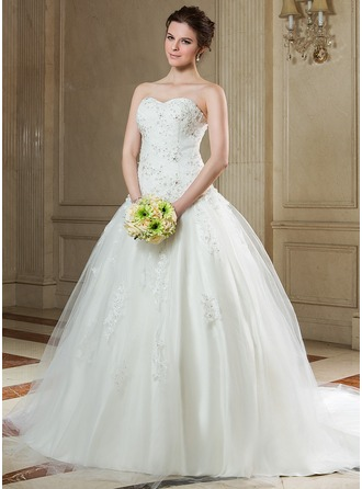 Ball-Gown Sweetheart Chapel Train Tulle Wedding Dress With Ruffle Beading Appliques Lace