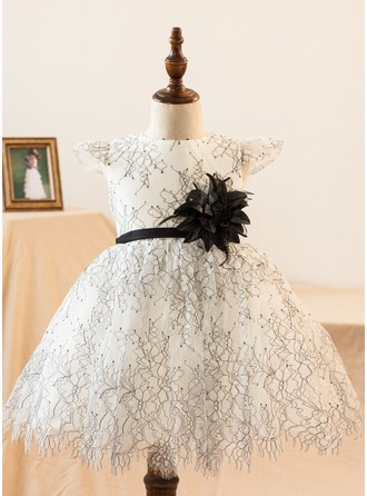 Ball Gown Knee-length Flower Girl Dress - Satin/Lace Short Sleeves Scoop Neck With Flower(s)