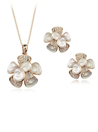 Flower Shaped Alloy With Austrian Crystal Ladies' Jewelry Sets