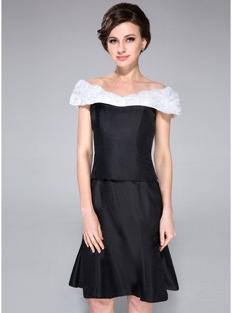 Sheath/Column Off-the-Shoulder Knee-Length Taffeta Organza Mother of the Bride Dress With Ruffle Sash