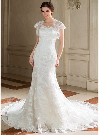 Trumpet/Mermaid Sweetheart Chapel Train Organza Lace Wedding Dress With Ruffle