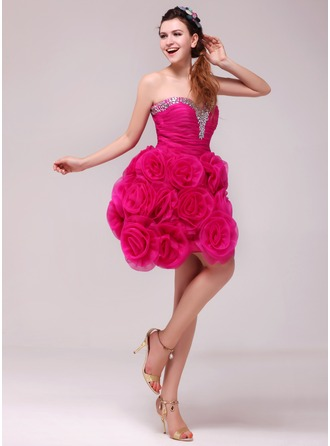 A-Line/Princess Sweetheart Knee-Length Organza Cocktail Dress With Ruffle Beading Flower(s)