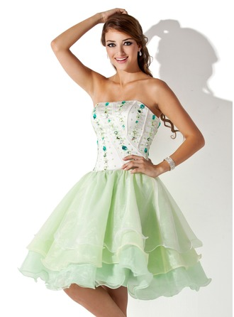 A-Line/Princess Strapless Knee-Length Organza Satin Homecoming Dress With Beading