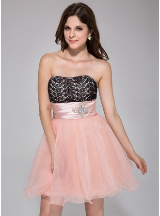 A-Line/Princess Sweetheart Short/Mini Organza Charmeuse Lace Homecoming Dress With Ruffle Beading
