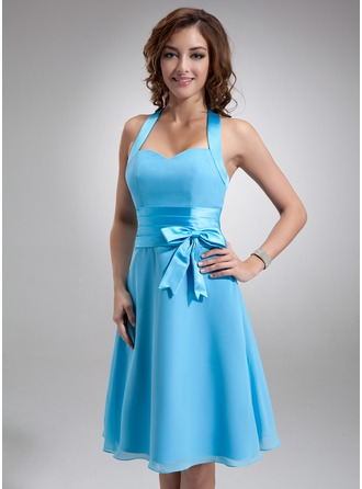 A-Line/Princess Halter Knee-Length Chiffon Satin Bridesmaid Dress With Ruffle Bow(s)