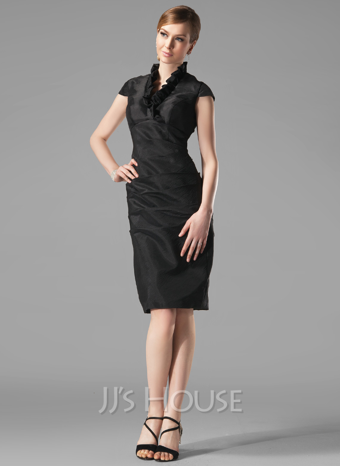 From beautiful dresses for special events to sophisticated styles for the office, our collection of elegant knee length dresses are perfect for every occasion.
