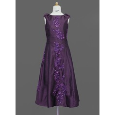 A-Line/Princess Scoop Neck Floor-Length Taffeta Junior Bridesmaid Dress With Lace Beading