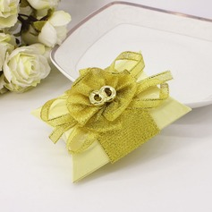 Lovely Card Paper Favor Boxes With Bow