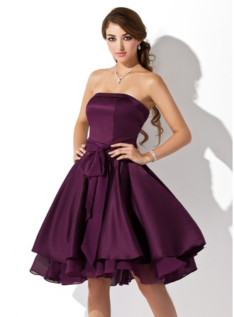 A-Line/Princess Strapless Knee-Length Satin Chiffon Bridesmaid Dress With Ruffle Bow(s)