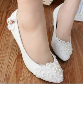 Women's Leatherette Low Heel Closed Toe Pumps With Imitation Pearl Stitching Lace Flower Lace-up